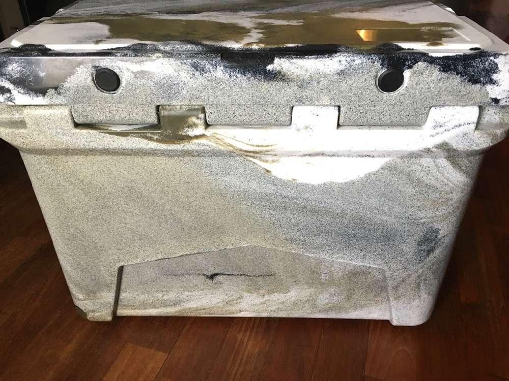 アイスランドクーラーボックス デザートカモ 35qt-30