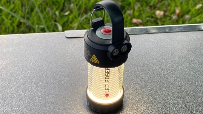 LEDLENSER レッドレンザー ML4 点灯