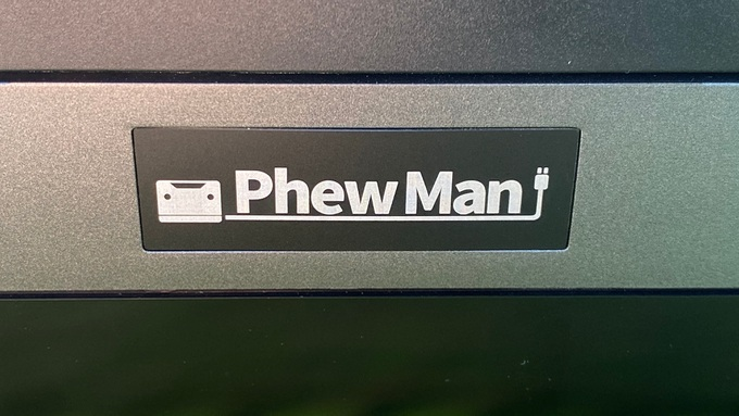 PhewMan500 ロゴ