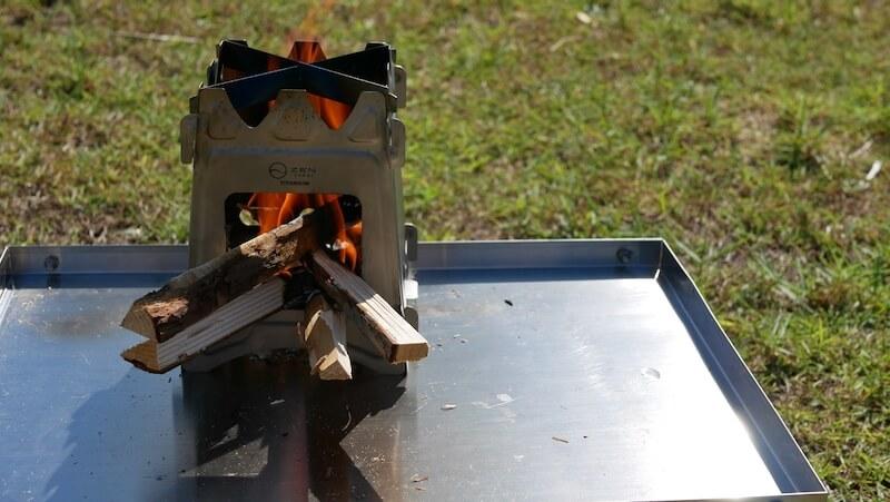 ZEN Camps チタン製ウッドストーブ Fire Garden S 焚き火2